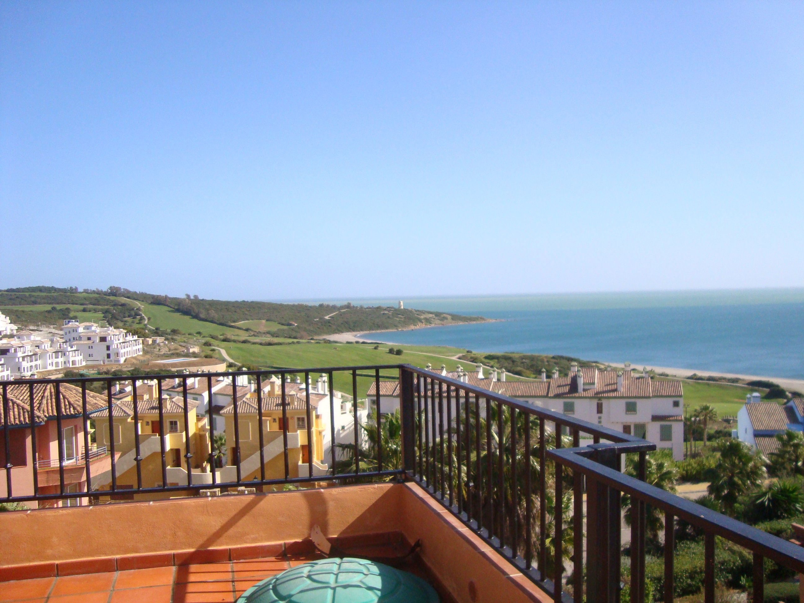 2 Bed, 2 Bath Penthouse, Great Terrace & Views