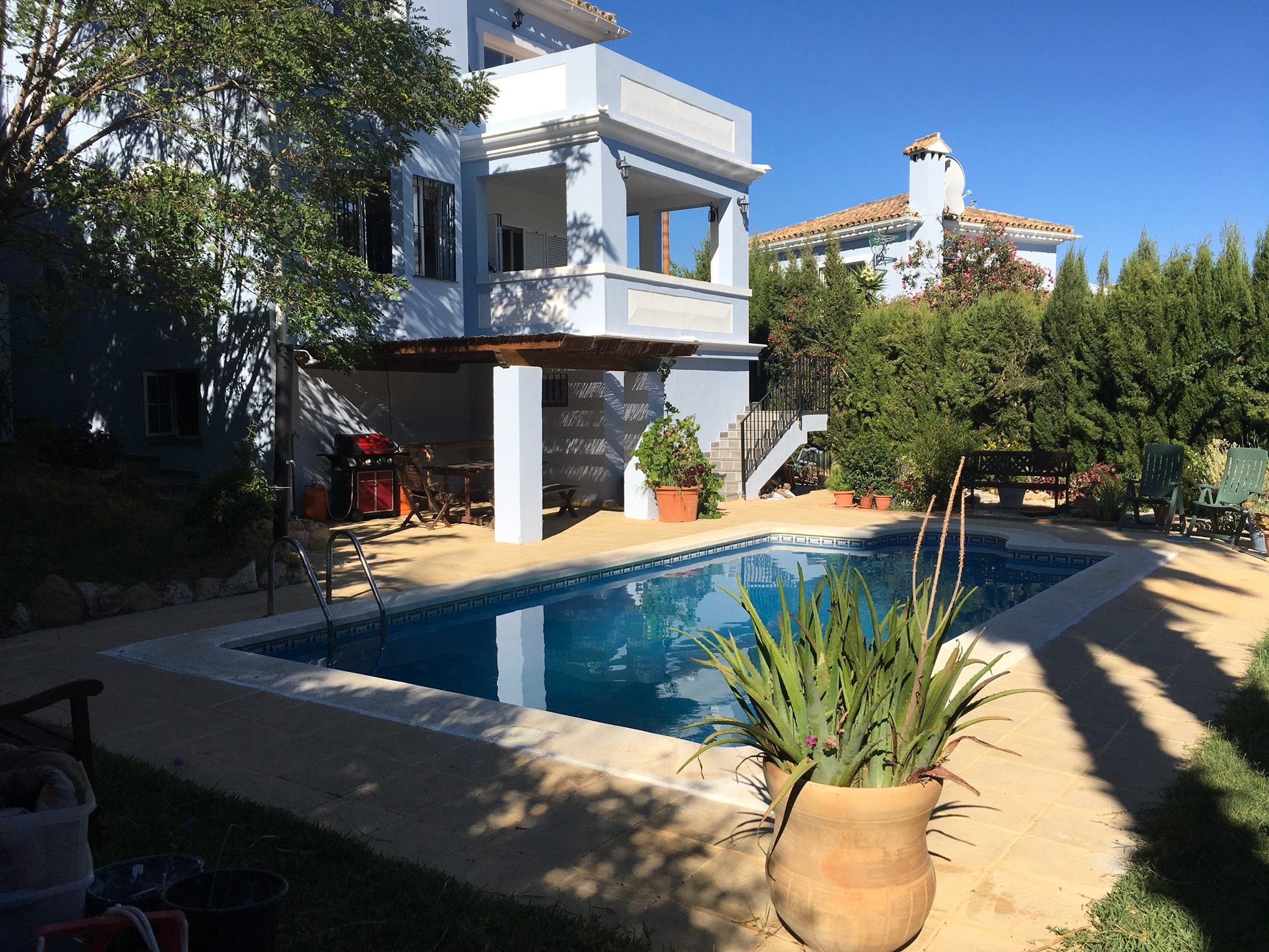 Gorgeous villa with private garden-swimming pool and separate guest apartment!