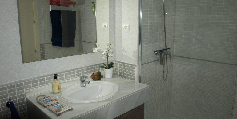 00521 Bathroom