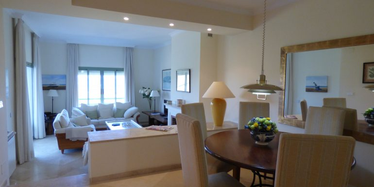 Vista Real Livingroom