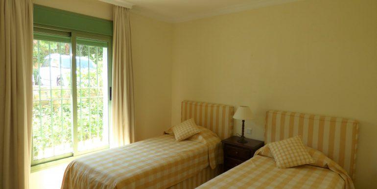 Vista Real Guestroom