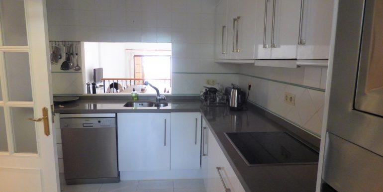 Loma del Rey Kitchen