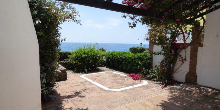 Loma del Rey Garden Terrace