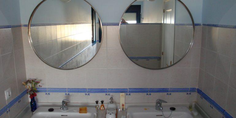 Balcones 00205 Bathroom