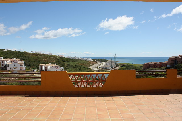 Spacious 3 bedroom apartment with lovely sea views