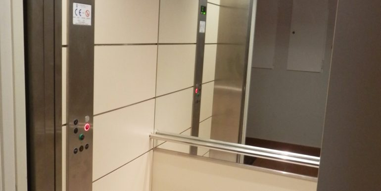 00466 Elevator