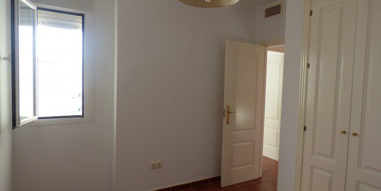 00535 Bedroom