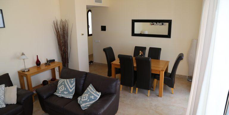 00544 Living room