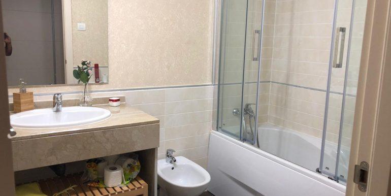 00551 Masterbathroom