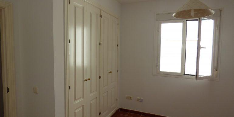 00535 Wardrobe