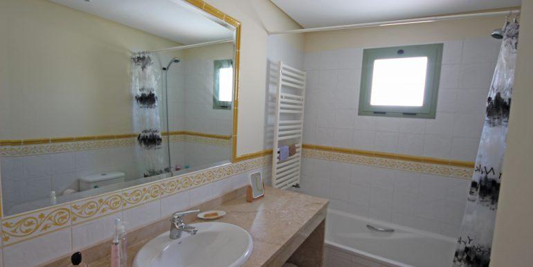 REF 00371 Bathroom