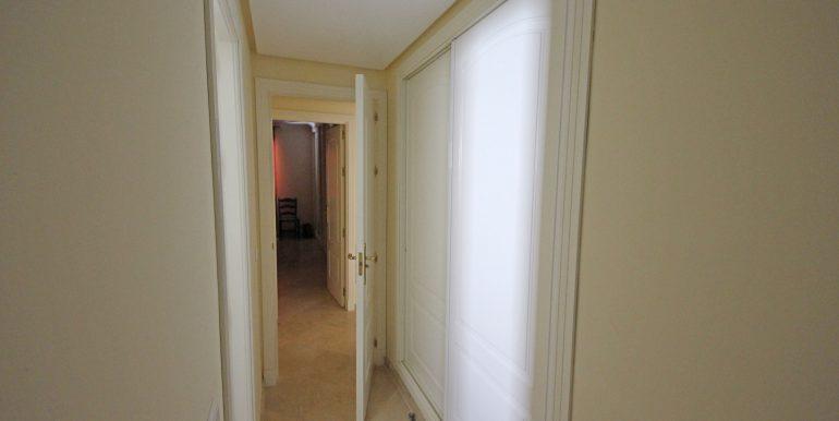 REF 00371 Wardrobe Guestroom