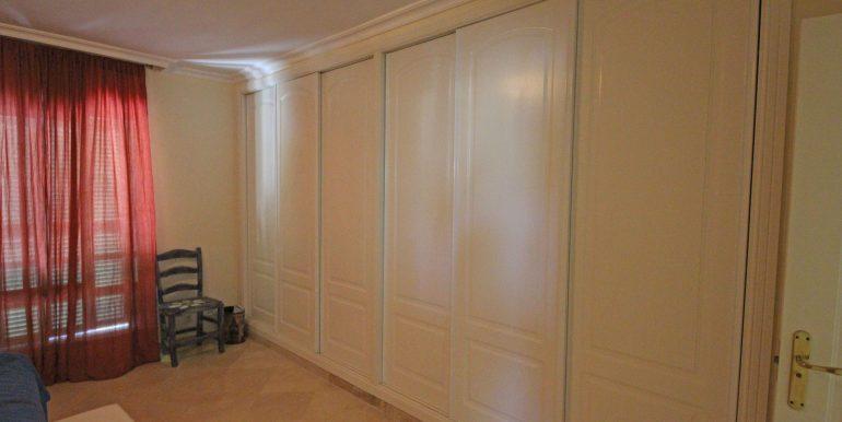 REF 00371 Wardrobe Master bedroom