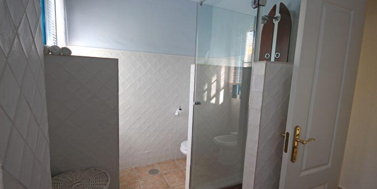 REF 00549 Bathroom Guestroom