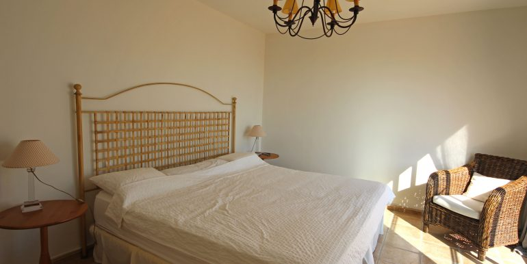 REF 00549 Master bedroom