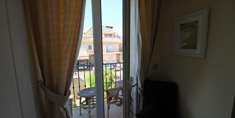 REF 00565 Balcony first floor