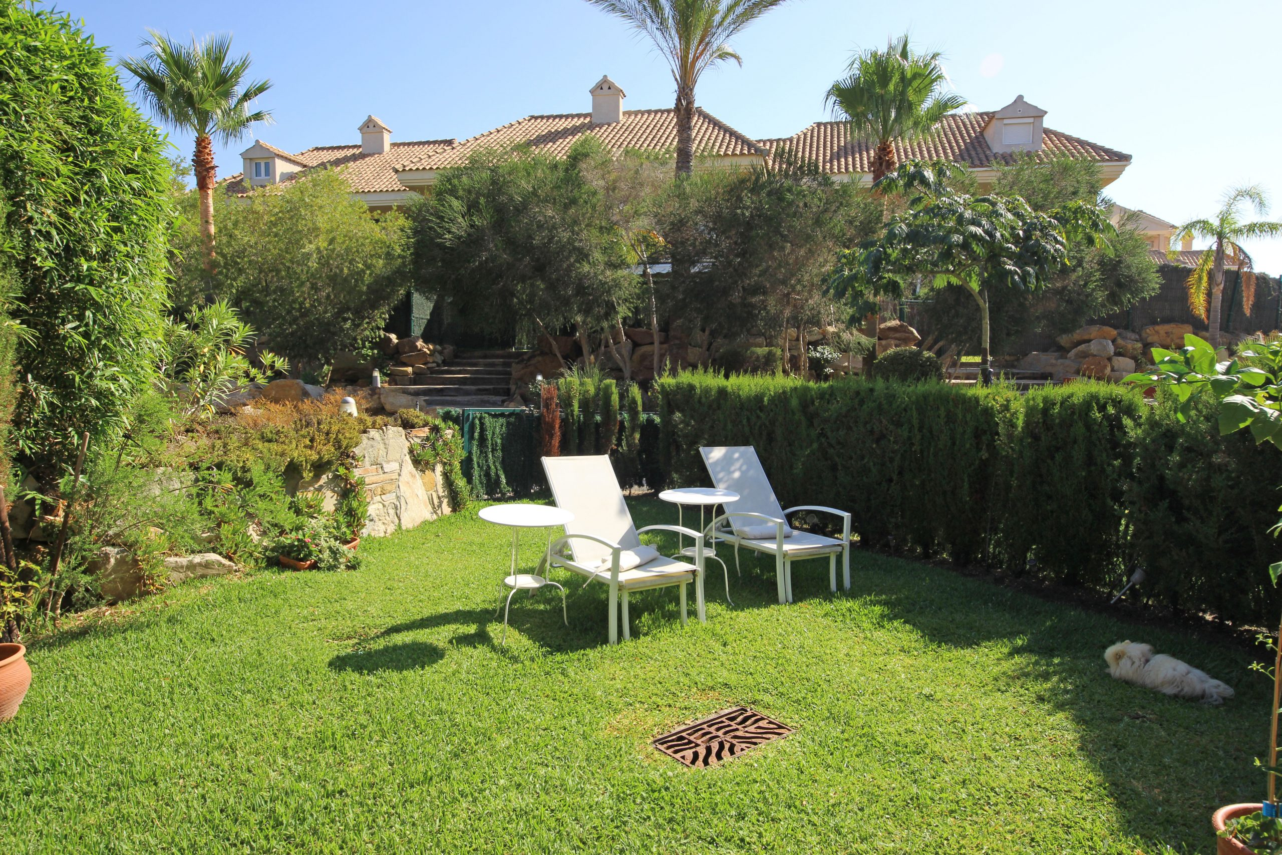 4 bedroom townhouse with a private garden