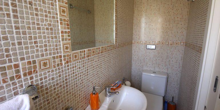 REF 00565 Guestroom Bathroom