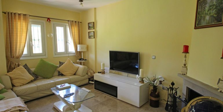 REF 00565 Living room