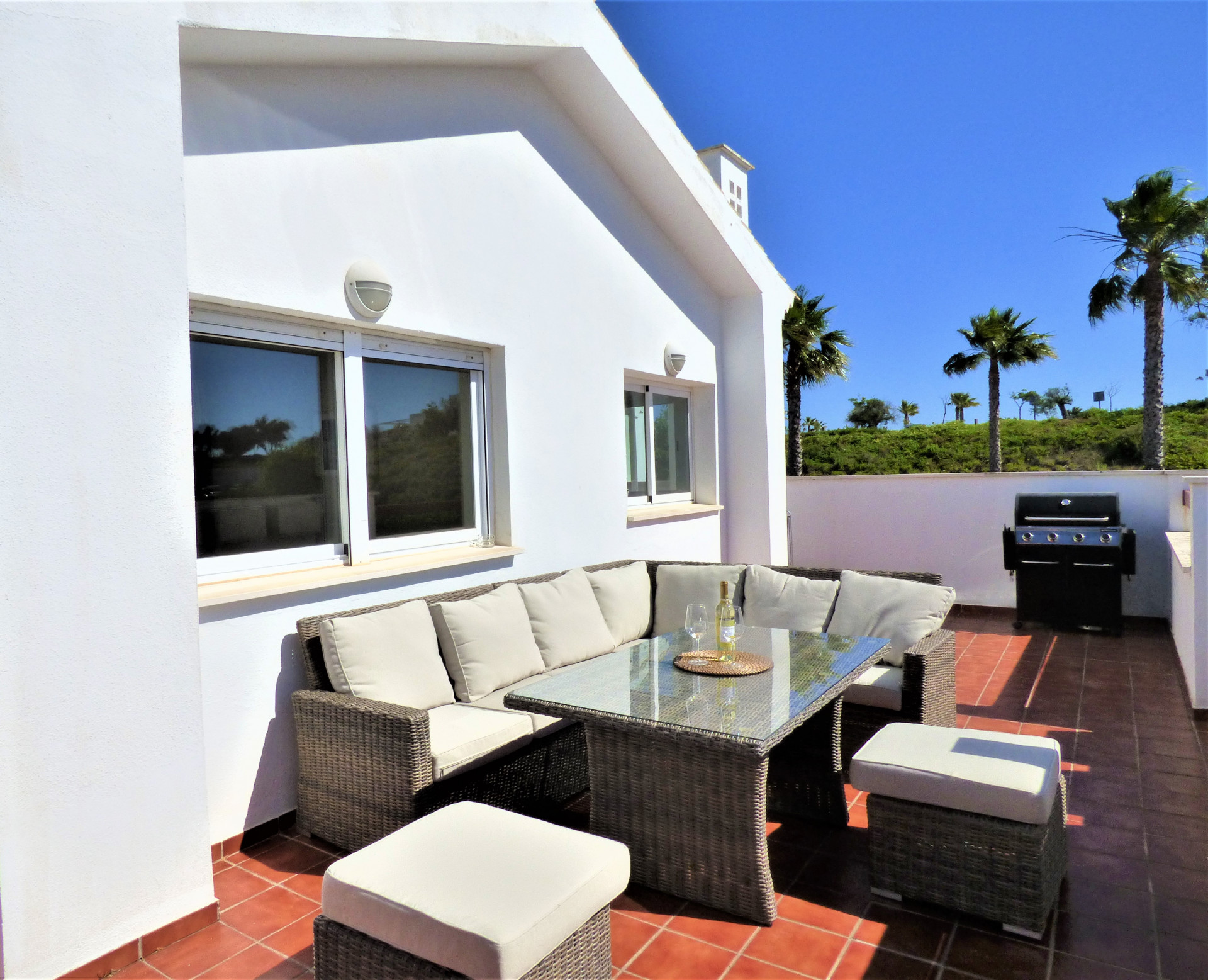 Sunny Penthouse for Long Term Rental In Alcaidesa!