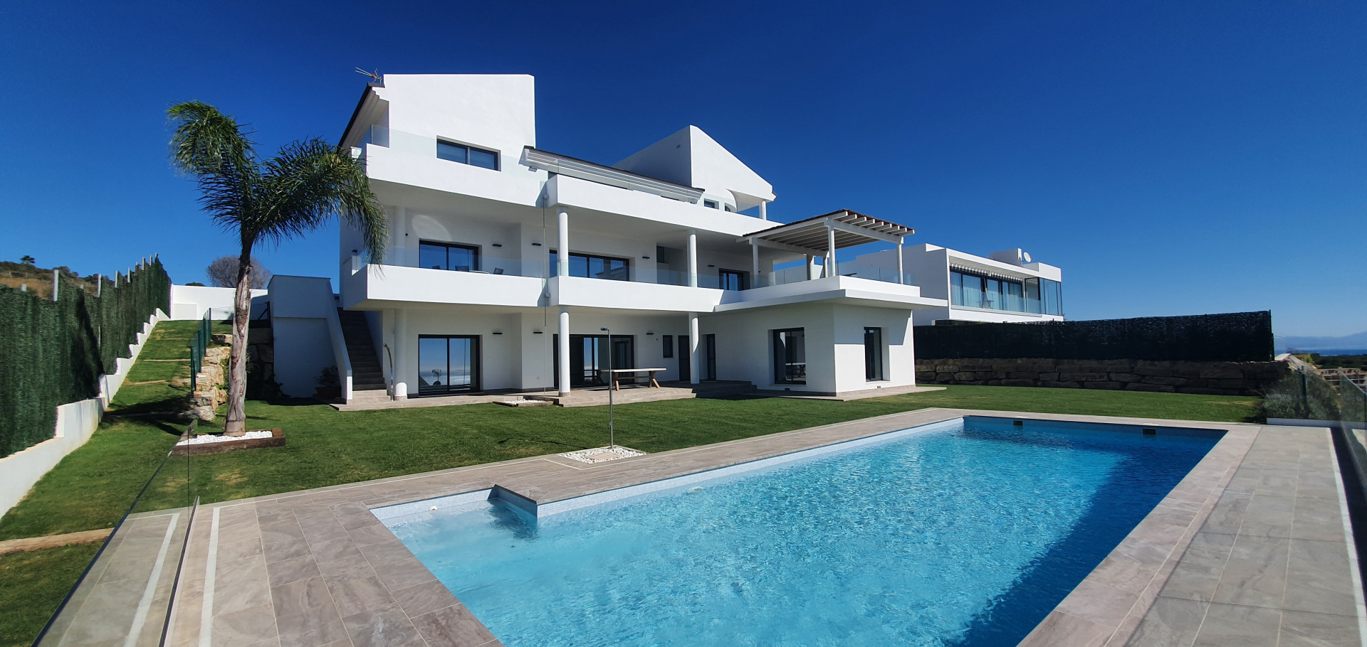 Luxury Villa With Private Garden And Beautiful Views
