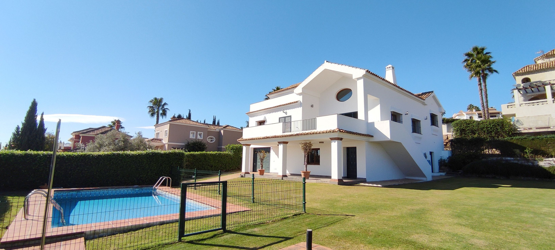 Well designed family home with an elegant beautiful interior including stunning seaviews