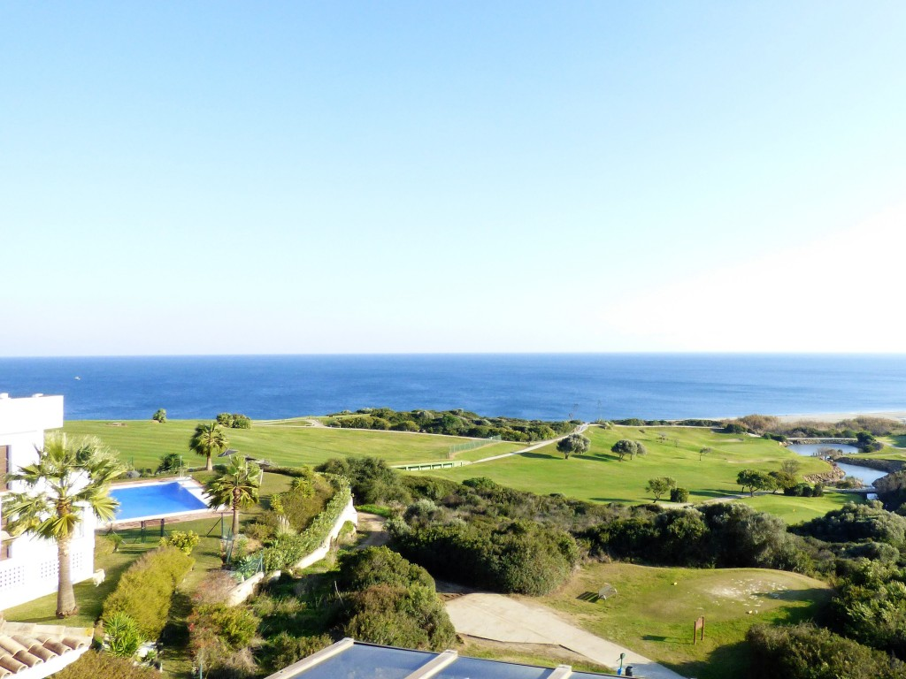 Beautiful penthouse with incredible views to the links golf course and the Mediterranean from two spacious terraces